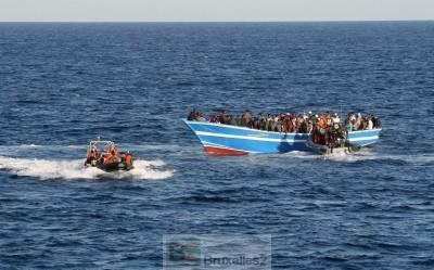 Au large des côtes libyennes, les marines européennes unies pour sauver plus de 4000 migrants des eaux