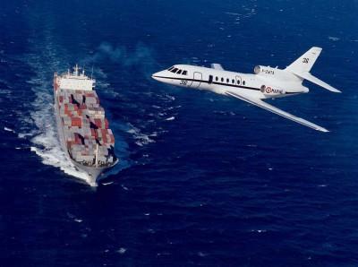 Un Falcon 50 survole la Méditerranée. Premier vol de reconnaissance français pour EUNAVFOR Med