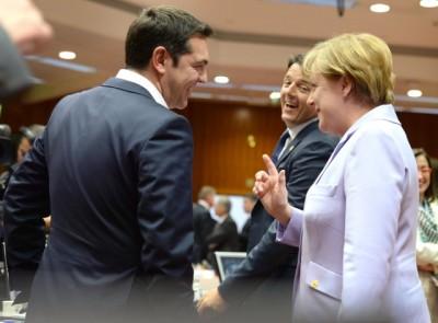 Derrière les sourires en présence des photographes, un amour-haine sur fond de drame économique (crédit : Conseil de l'UE)