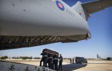 Un C-17 Globemaster du 99 Squadron, rapatrie les corps des victimes en Tunisie sur la base de Brize Norton (crédit : Royal Air Force)