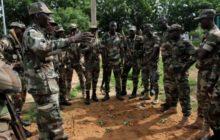 Pour leur retour à Koulikoro, les instructeurs européens ont préparé un petit exercice de réaction à l'embuscade. (Crédits: EUTM Mali)
