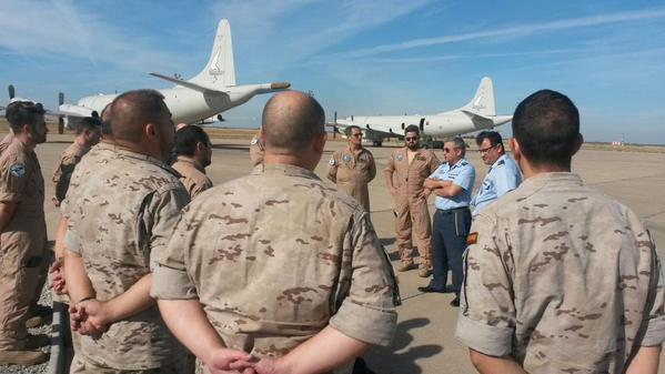 L'équipage espagnol sur la base de Sigonella en Sicile (crédit : MOD espagnol)