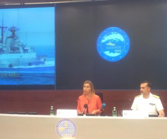 Fed. Mogherini et l'amiral commandant l'opération, Enrico Credendino