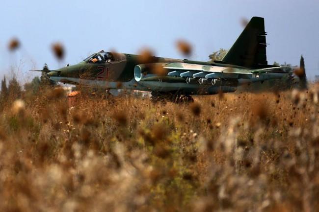 Un avion russe survole l'espace aérien turc, ambassadeurs de l'OTAN convoqués (maj)