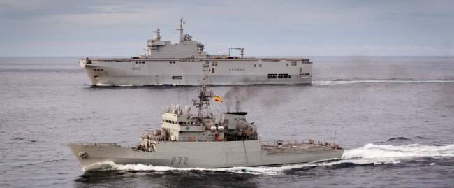 Le BPC Mistral en patrouille avec le Centinela dans le Golfe de Guinée