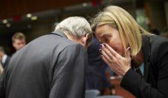 Entre Mogherini et Hahn, une certaine complicité (crédit : CUE)