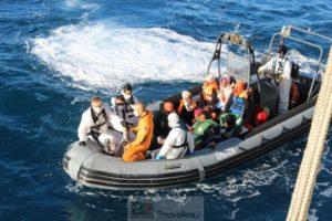 Si le sauvetage des migrants ou réfugiés en Méditerranée fonctionne bien, une fois à terre, les problèmes commencent (crédit : MOD Espagne)