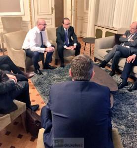Charles Michel et François Hollande suivent l'arrestation de Molenbeek