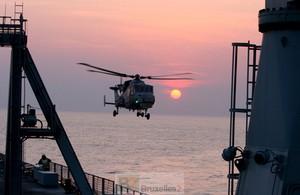L'hélicoptère de bord Wildcat alias AW159 SuperLynx (crédit : MOD uk)