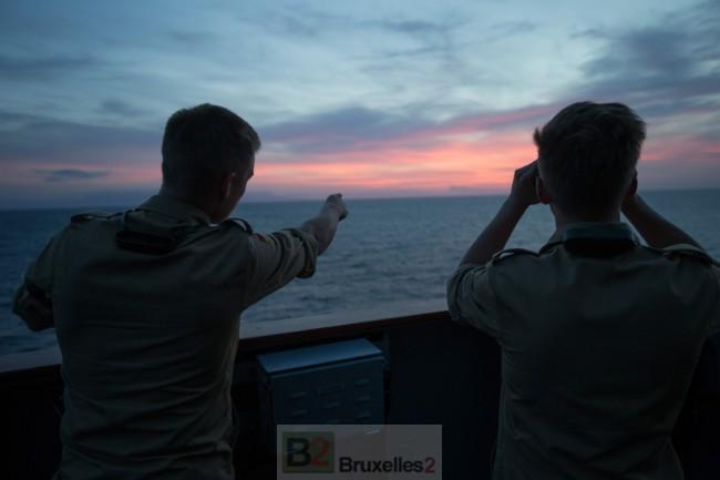 """Le FGS Bonn est le navire amiral du """"déploiement"""" de l'OTAN en mer Egée (crédit : OTAN)"""