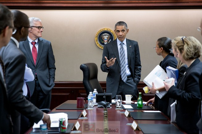 """Tel un illusionniste, Wikileaks imagine à partir d'un rapport d'EUNAVFOR MED, l'Europe en train de préparer des plans secrets pour intervenir en Libye. La réalité est plus prosaïque. Car l'Europe au quotidien ce n'est pas la """"situation room""""  de Obama romancée  (crédit US Gov)"""