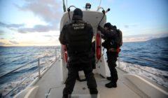 Les Etats peu enclins à fournir tout le personnel nécessaire à la Grèce (crédit : Frontex - police maritime portugaise / Opération Poseidon)