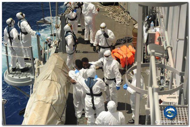 706 migrants sauvés par la Reina Sofia