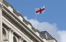 Le drapeau de lAngleterre ... (crédit : MOD UK)