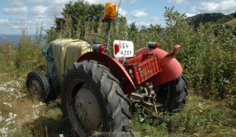 Un bon vieux tracteur abandonné... © NGV / B2