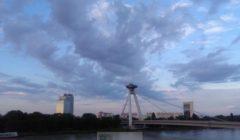 Bratislava entend faire de sa présidence un point dappui pour la reconquête de lEurope par les Etats (©NGV / B2 - Le pont du soulèvement national slovaque)