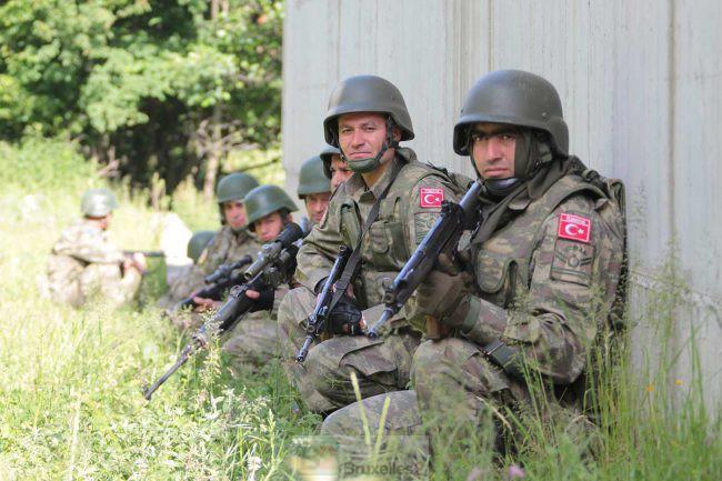 Soldats turcs en entraînement (crédit : EUFOR Althea)