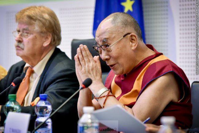 Le Dalaï Lama, fan de l'esprit UE