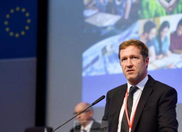 Paul Magnette à la Commission européenne lors d'une conférence sur le budget (crédit : CE / Archives B2 septembre 2016)