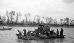 Têtes de ponts à Gemersheim le 1er avril 1945 (crédit : ECPAD)