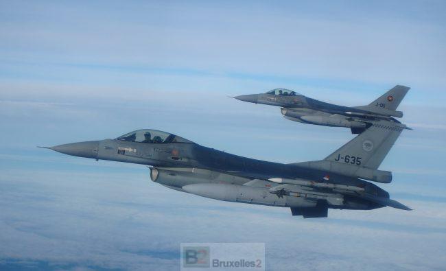 Les F-16 belges et néerlandais vont faire ciel unique