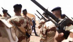 Macron en dur à cuire au Mali