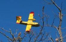 Un Canadair italien à la rescousse pour les feux de forêt dans le Sud