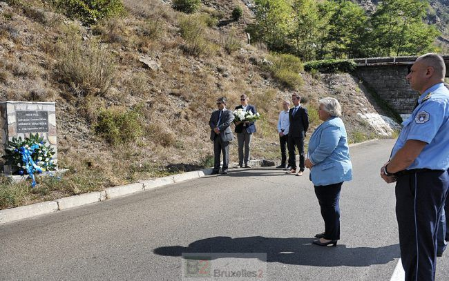 EULEX Kosovo rend hommage à un des siens. L'enquête pas close