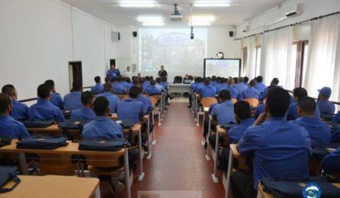 Combien de garde-côtes libyens ont été formés par les Européens ? (V2)
