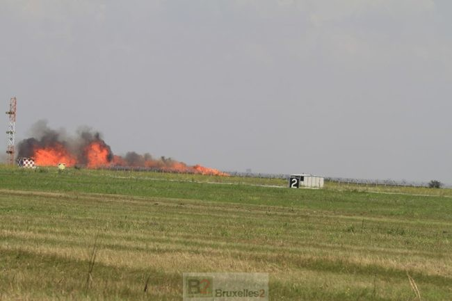 Un Mig 21 roumain s'écrase lors d'un show aérien