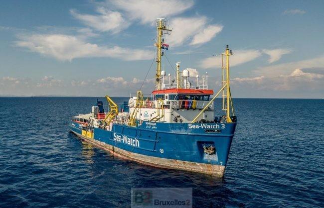 Quand les garde-côtes libyens et les ONG interviennent en même temps, c'est le bazar
