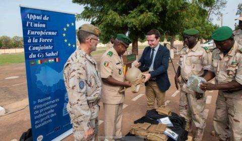 Première livraison d'équipements de protection individuelle aux forces du G5 Sahel