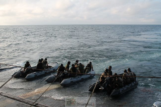Le BPC Mistral engagé dans Corymbe avec les fusiliers marins portugais
