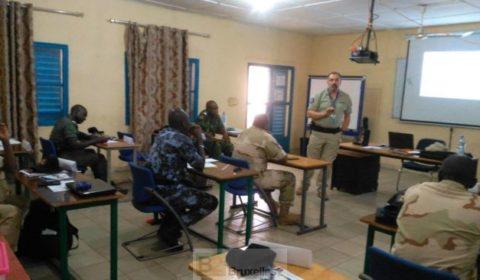 Des gendarmes maliens, togolais et guinéens partagent les bancs de l'école