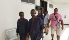 Les cinq pirates arrêtés par le Navarra inculpés aux Seychelles. Un récidiviste parmi eux