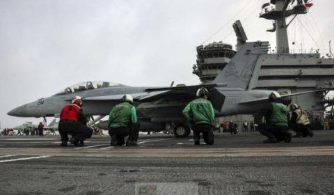 John Bolton s'en va-t-en guerre. L'USS Abraham Lincoln envoyé en guise d'avertissement