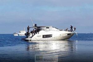 Des migrants récupérés à bord d'un yacht de luxe au large de Kos