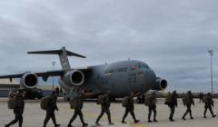 Hommage appuyé de la France à ses alliés pour leur soutien de transport