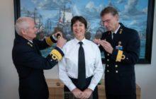 Une femme élevée 'commandeur' de la marine néerlandaise. Bienvenue Jeannette