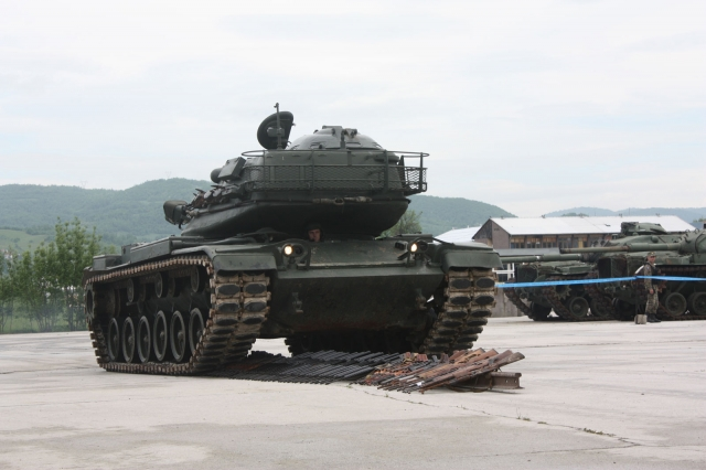 destruction d'armes par la mission européenne EUFOR Althea à Krajlovac (crédit : EUFOR Althea)
