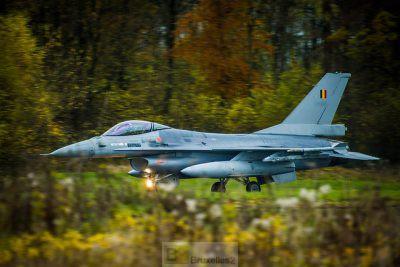 Un F-16 belge en soutien (crédit : EDA)