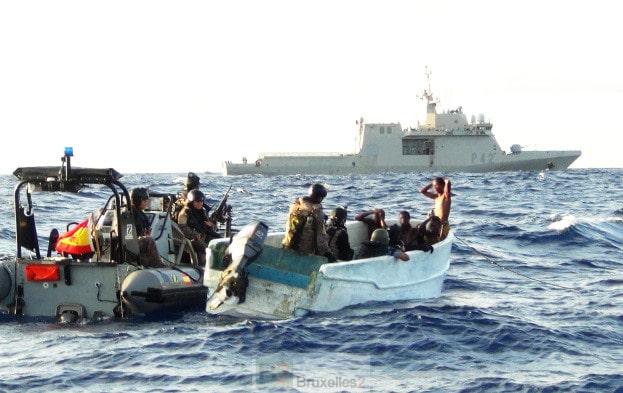 Comment inspecter les navires suspects en mer ? Le casse-tête d'Irini